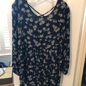 Forever21 Daisy pattern black long sleeve dress